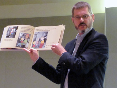"Mo Willems reading ""Knuffle Bunny Free"""