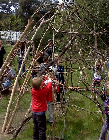 Building a Kumeyaay ewaa at San Diego's Dos Picos County Park
