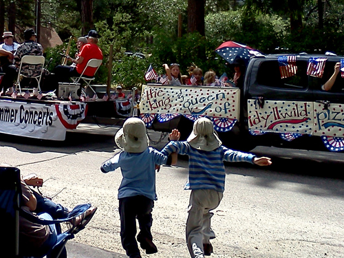 Wordpress weekly photo challenge: movement - Idyllwild Fourth of July parade