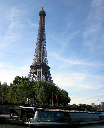 Wordpress photo challenge: big - the Eiffel Tower in Paris