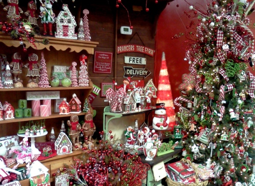 Christmas decorations at Bates Nut Farm