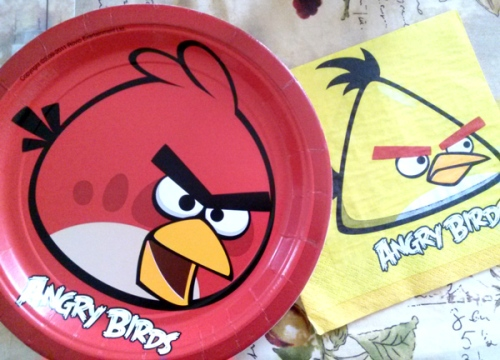 Angry Birds birthday plates and napkins