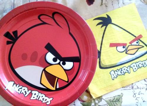 Angry Birds birthday plates and napkins